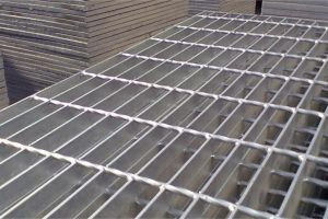 HARGA STEEL GRATING TEBAL 3,2 MM BERGERIGI OPEN END READY SURABAYA